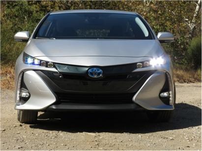 2017_Toyota_Prius_Prime_4